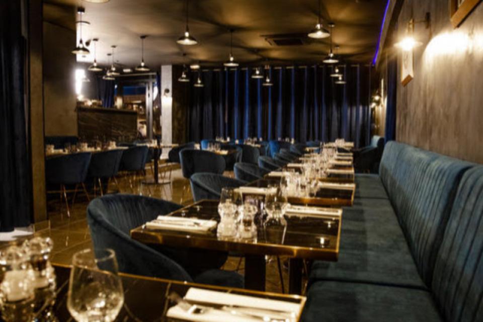 Restaurant chic parisien
